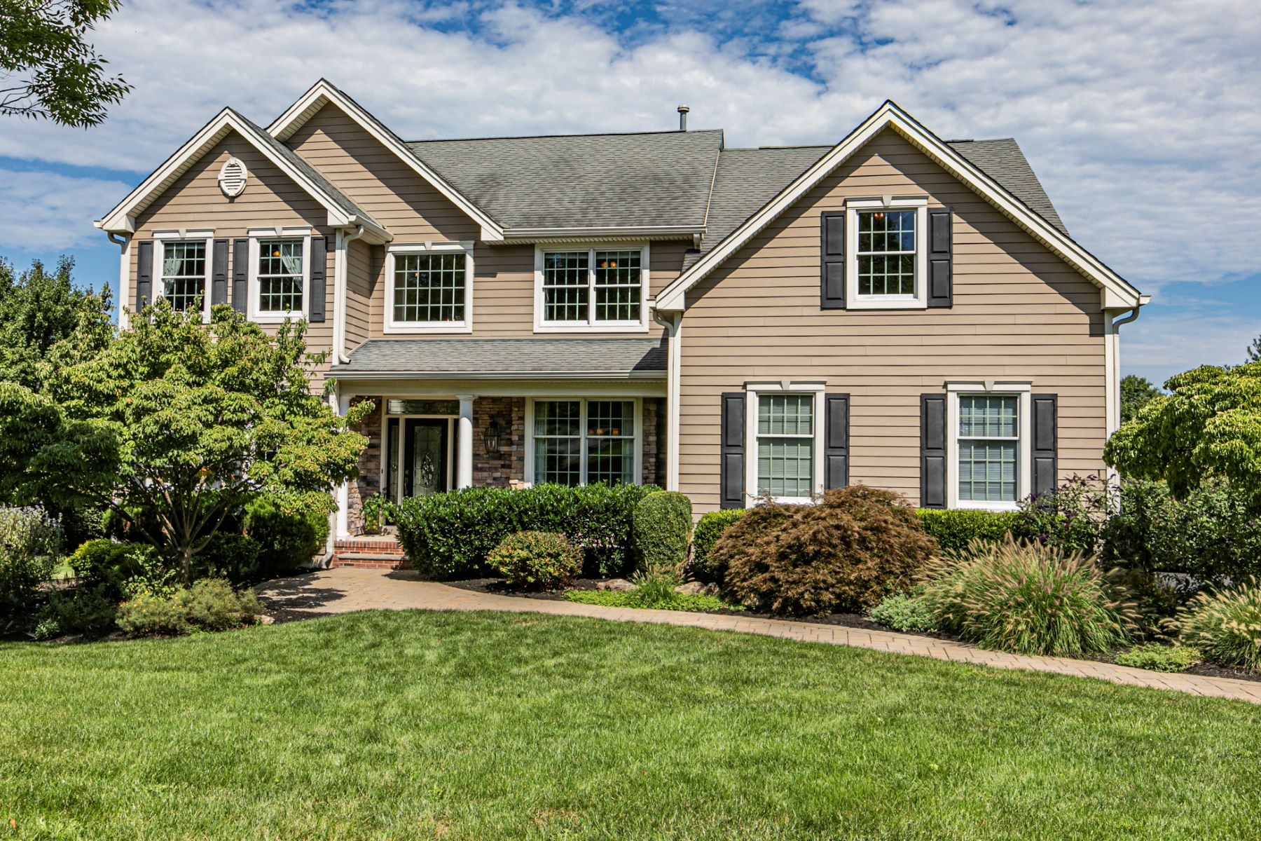 Single Family Homes for Sale at Expansively Upgraded In Cherry Valley 8 Old Warson Court, Skillman, New Jersey 08558 United States