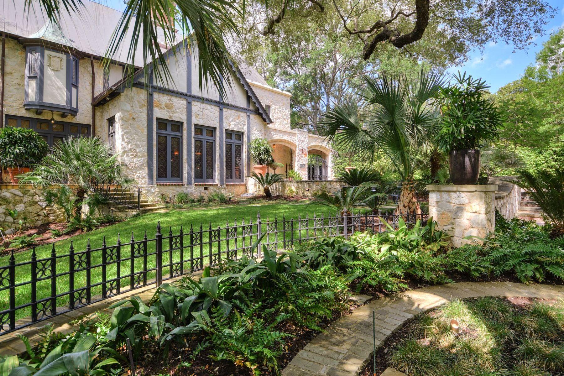 Single Family Homes для того Продажа на Upper Olmos Park Masterpiece which Captures a Moment in Time 306 East Hermosa Drive, San Antonio, Техас 78212 Соединенные Штаты