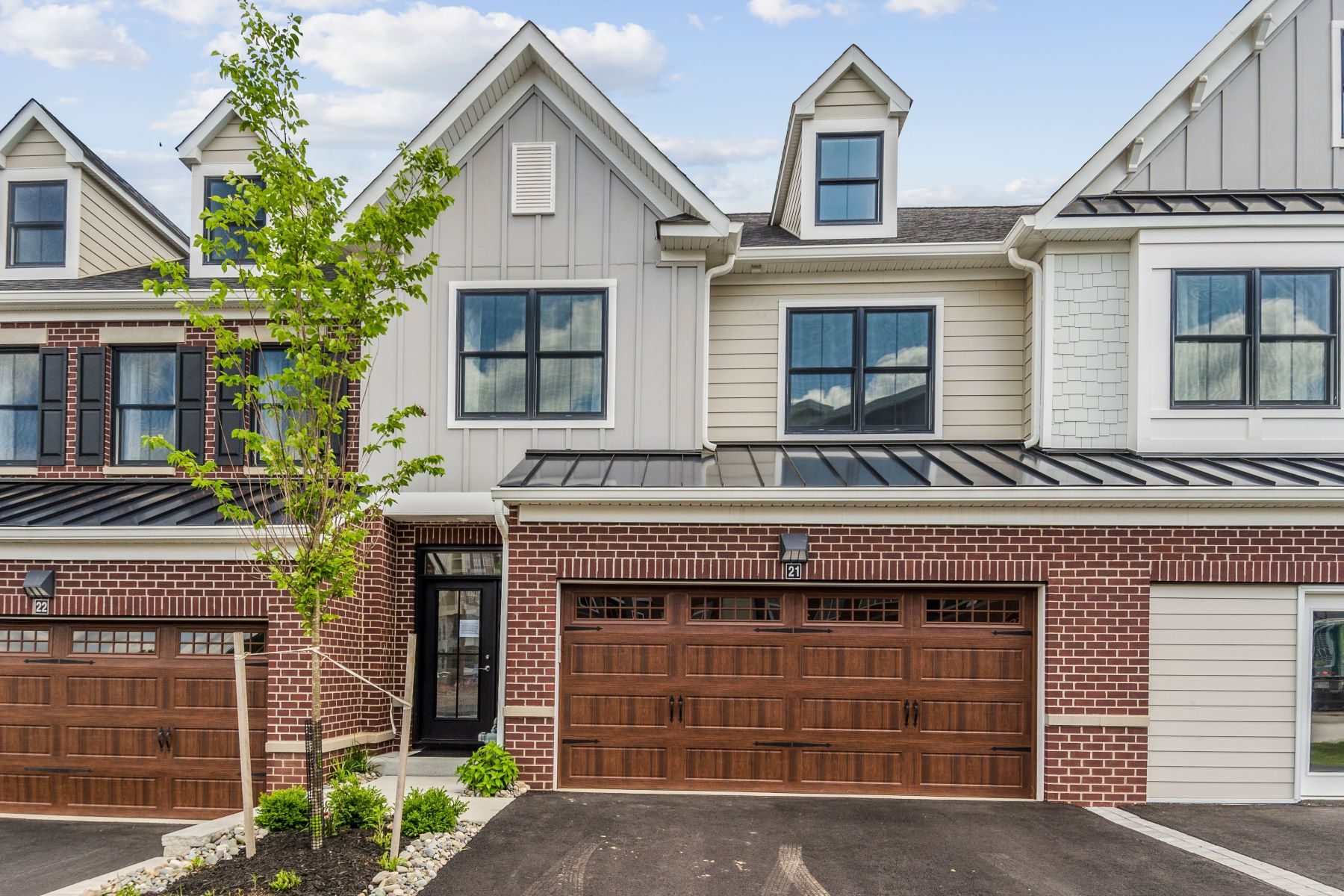 Condominiums للـ Sale في It's Time for the Finer Things in Life 21 Riverwalk, Plainsboro, New Jersey 08536 United States