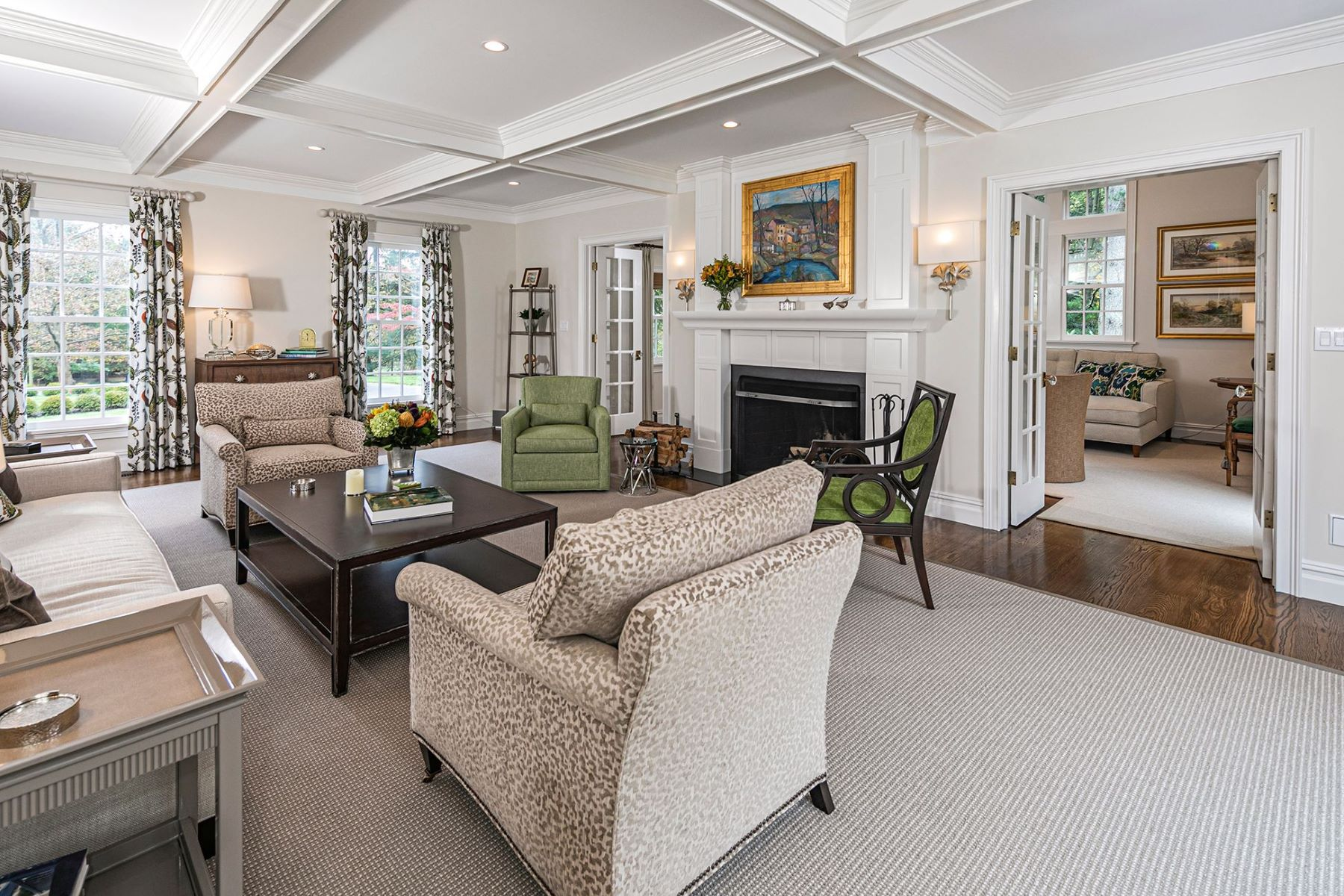 Additional photo for property listing at Of-The-Moment Makeover for a Classic Colonial 121 Winfield Road, Princeton, New Jersey 08540 United States