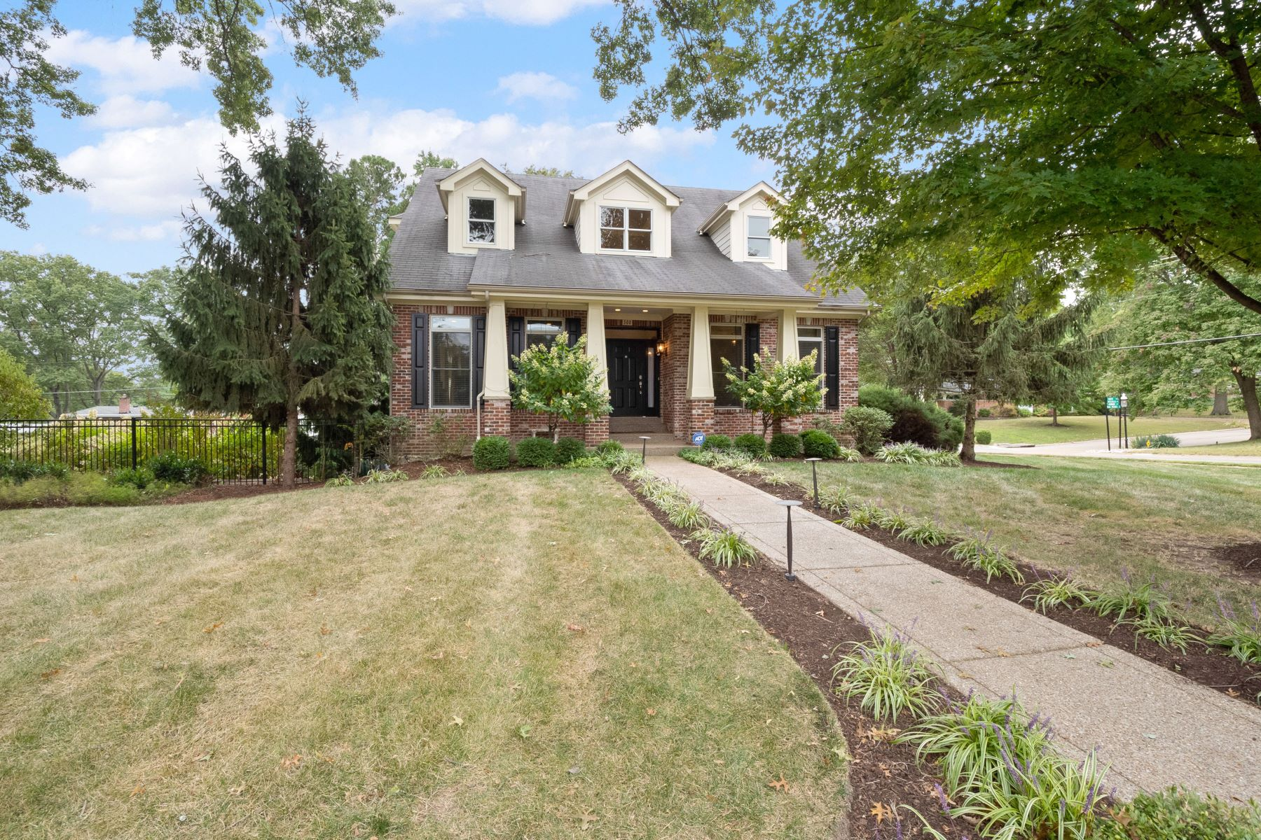 Property for Sale at Welcome to Wonderful Warson Woods! 500 Monaco Drive Warson Woods, Missouri 63122 United States