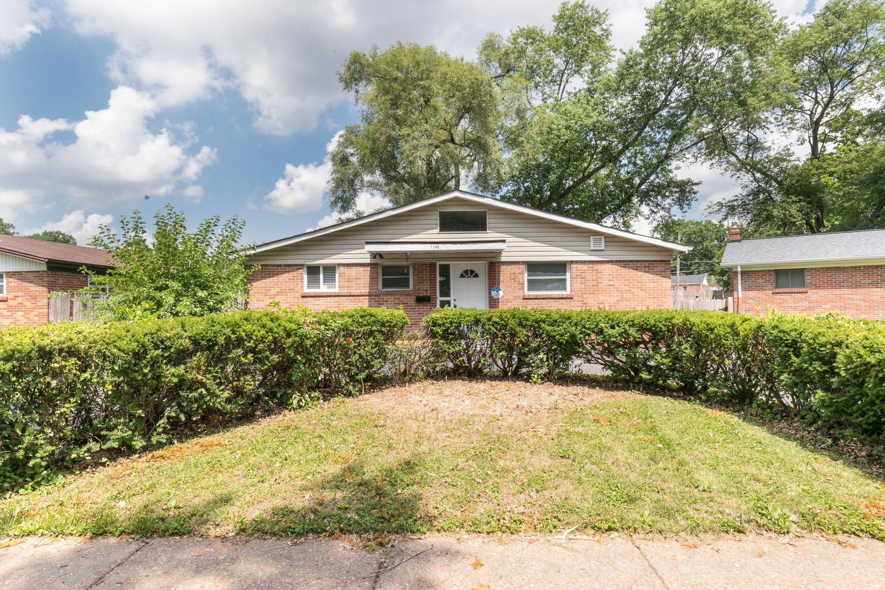 Single Family Homes for Sale at Charming Bungalow In University City 1146 Glenside Lane University City, Missouri 63130 United States