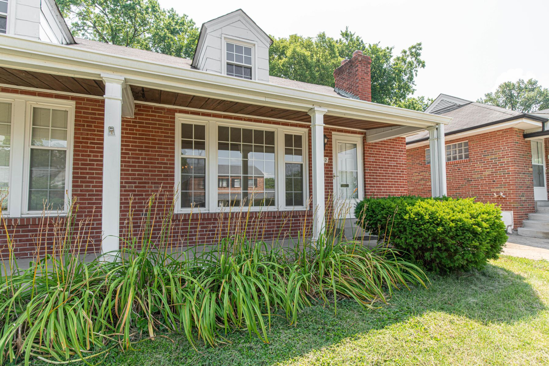 Additional photo for property listing at Nice rental in Clayton School District 1132 Terrace Drive Richmond Heights, Missouri 63117 United States