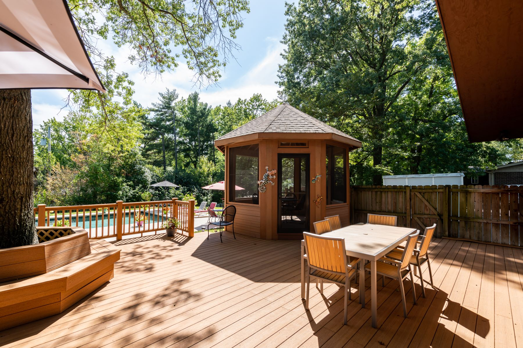 Additional photo for property listing at Beautiful Multi Level Home On A Half-Acre 20 Spoede Woods Drive Creve Coeur, Missouri 63141 United States