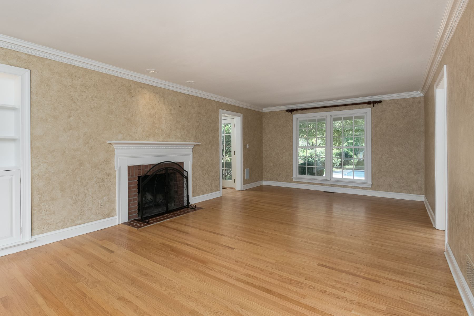 Additional photo for property listing at An In-Demand Architect's Most Personal Project 76 Stetson Way, Princeton, New Jersey 08540 United States