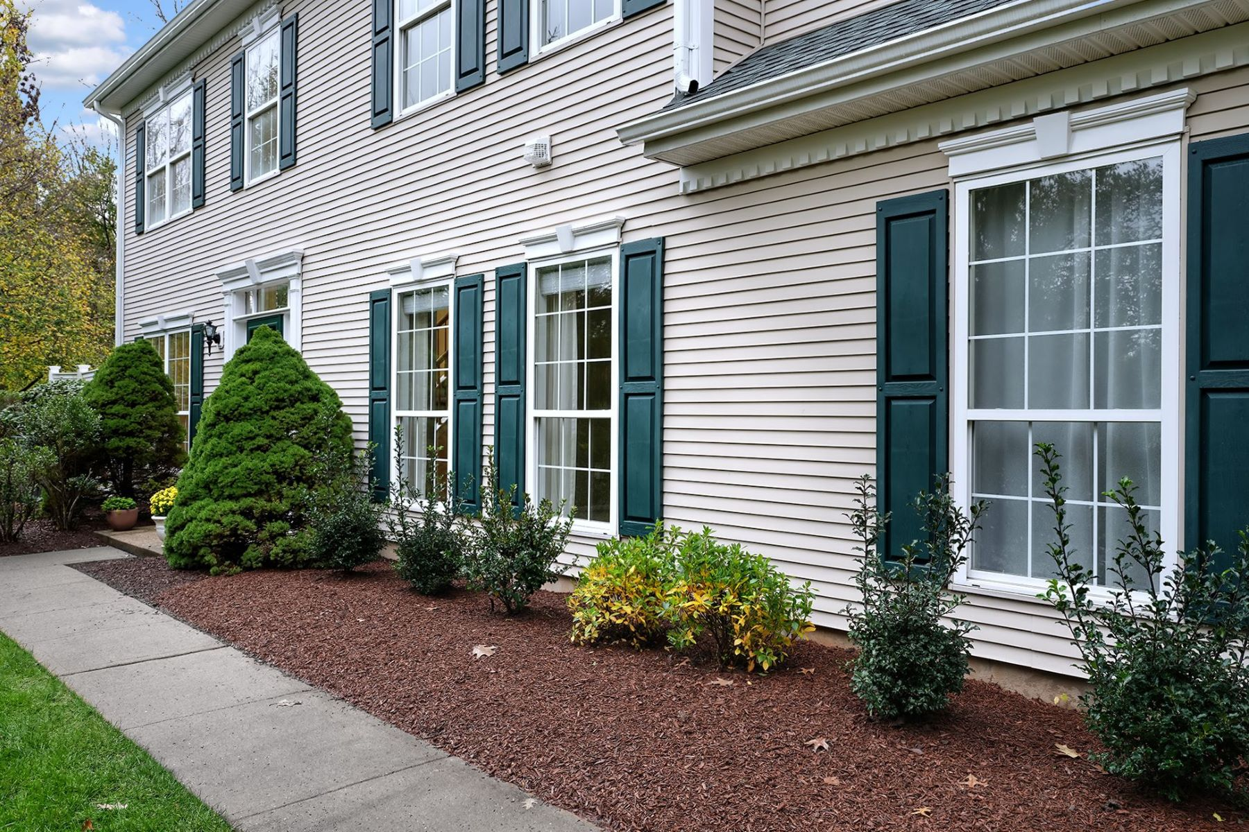 A Lot to Love in the End-Unit Townhome 19 Voorhees Court, Pennington, New Jersey 08534 États-Unis