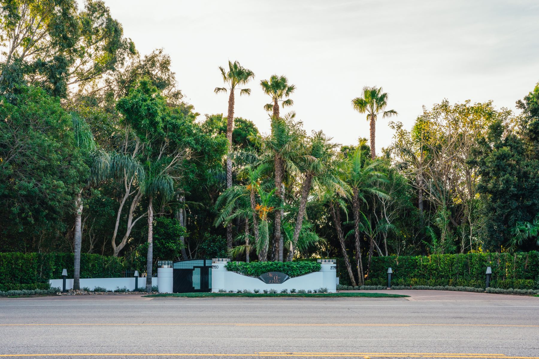 Additional photo for property listing at Mar de Amor 27930 Pacific Coast Highway, Malibu, California 90265 United States
