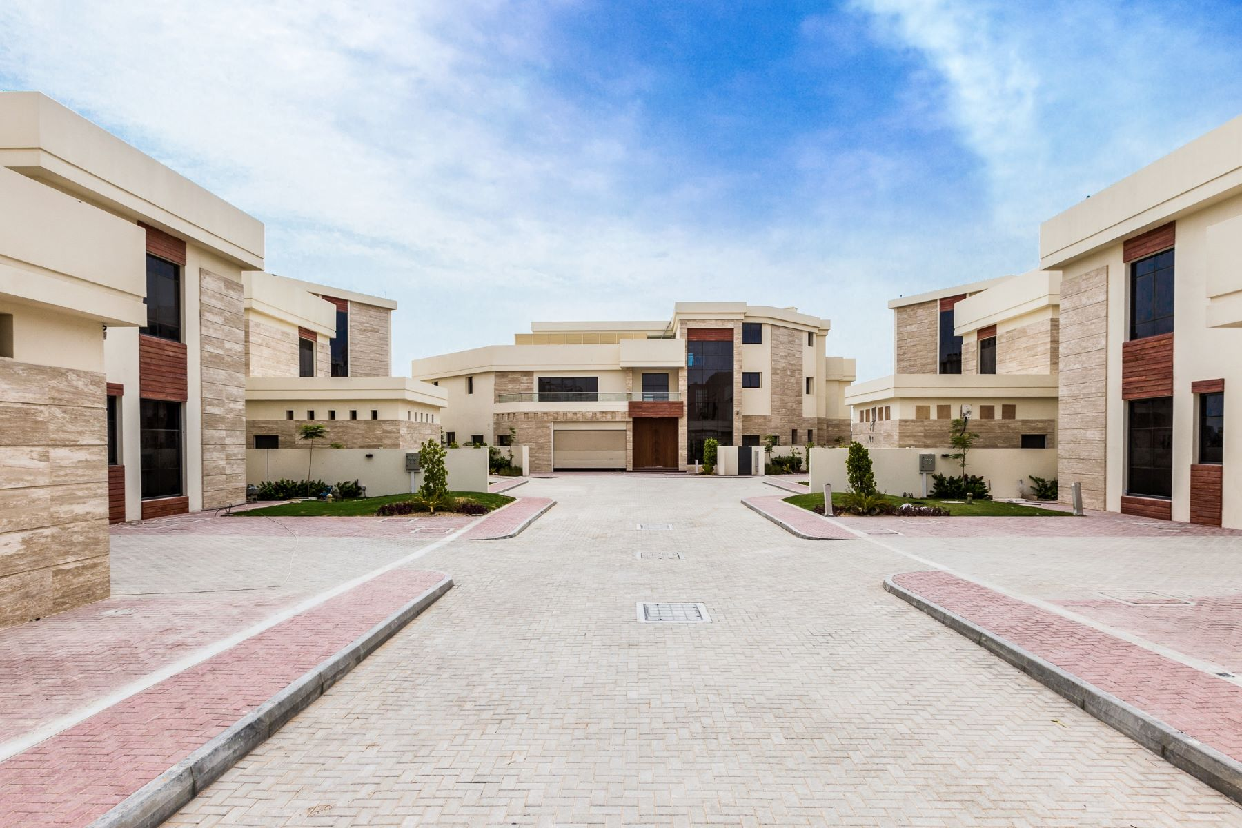 Other Residential Homes for Sale at VIP Frond 4 Luxury Villas Tip Location Dubai, Dubai United Arab Emirates