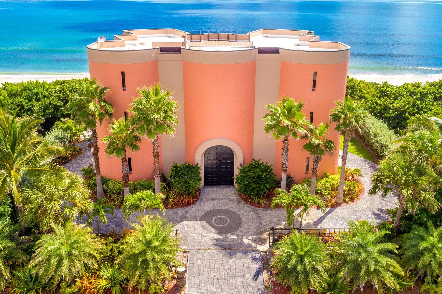 Single Family Homes för Försäljning vid Iconic and One of a Kind Castle 7525 S Highway A1a Melbourne Beach, Florida 32951 Förenta staterna