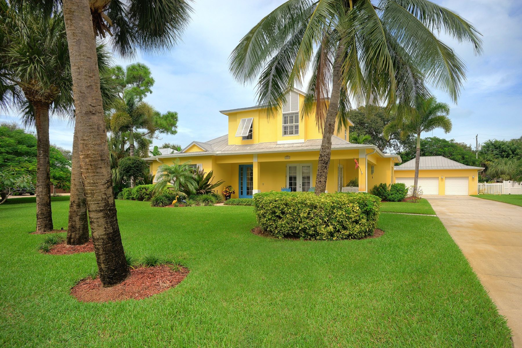 Property для того Продажа на 414 Miami Avenue, Indialantic, FL 414 Miami Avenue Indialantic, Флорида 32903 Соединенные Штаты