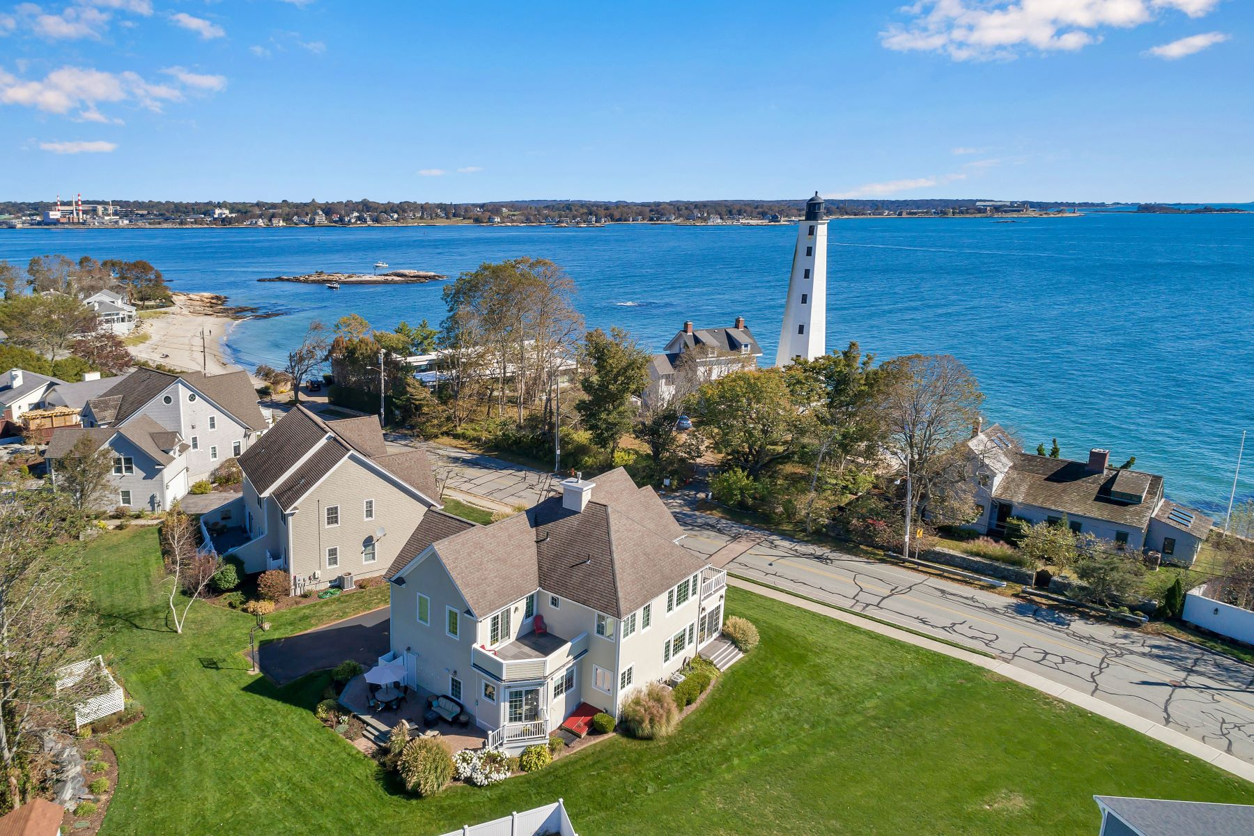 Single Family Homes for Sale at CT Shoreline Gem with Beach Rights 821 Pequot Avenue New London, Connecticut 06320 United States