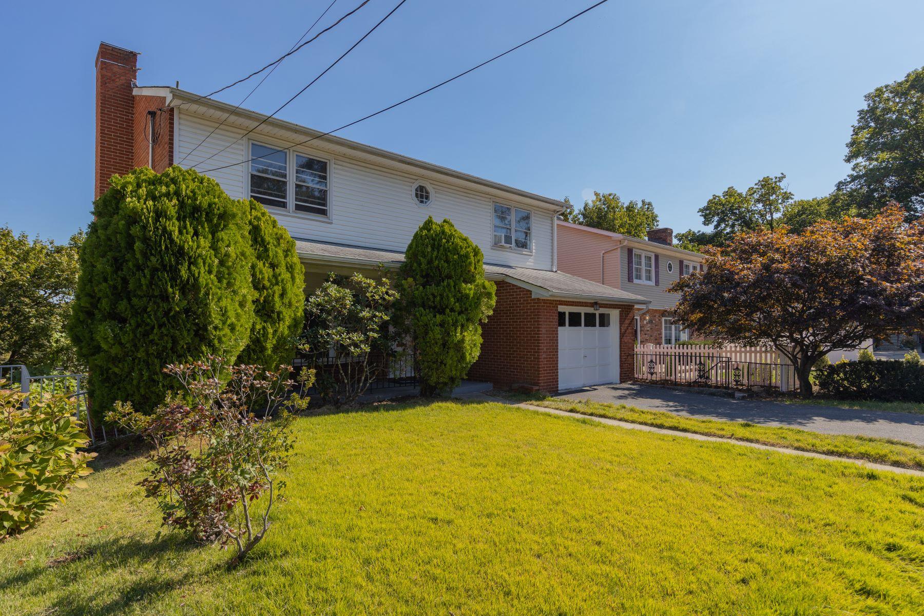 Single Family Homes 為 出售 在 Yonkers, 纽约 10703 美國